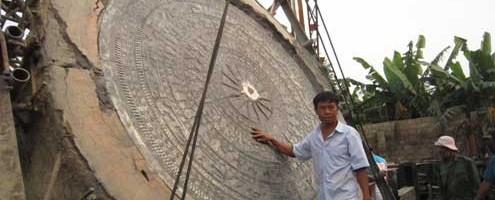 Đúc trống đồng nặng hơn 8 tấn