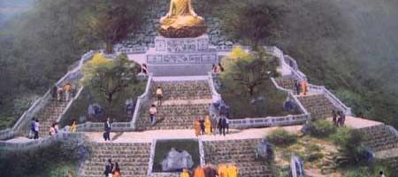 Dựng tượng đồng Phật Hoàng Trần Nhân Tông nặng 100 tấn tại Yên Tử